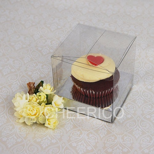 1 Cupcake Clear Cupcake Boxes with Silver insert($1.65pc x 25 units)